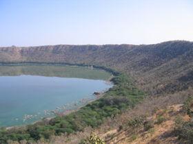 280px-Lonar_crater